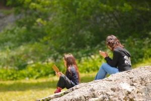lecture sur le rocher